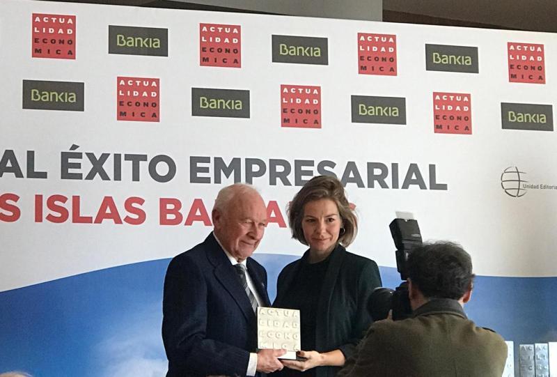 (Español) EL PRESIDENTE DE GRUPO SAMPOL RECOGE EL PREMIO A LA MEJOR ESTRATEGIA INTERNACIONAL